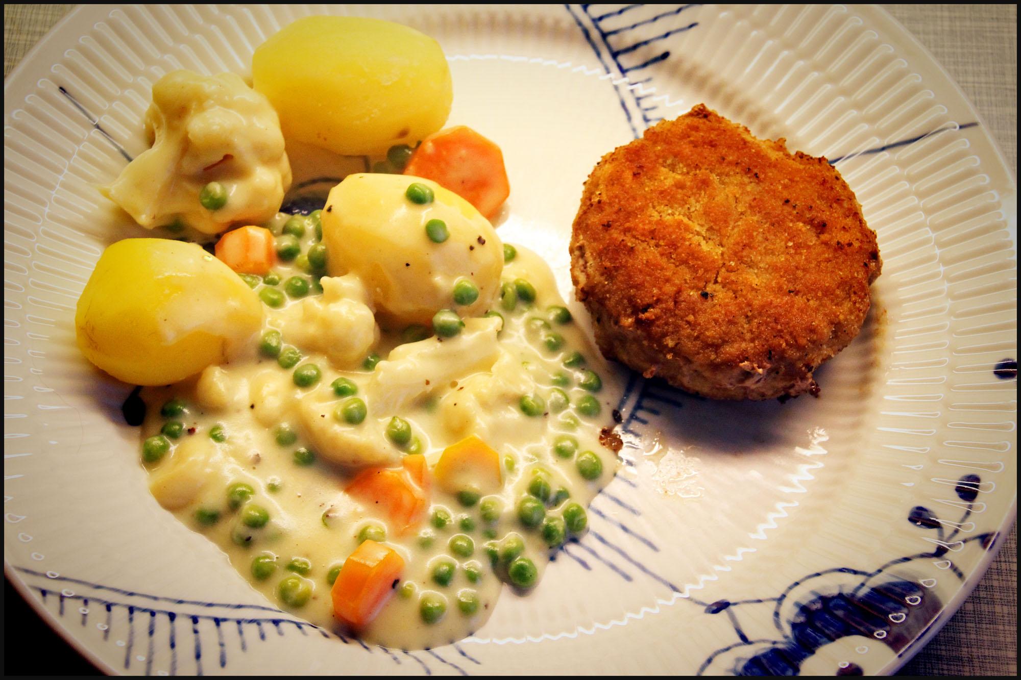 Opskrift På Hjemmelavede Krebinetter Med Kartofler Og Stuvede