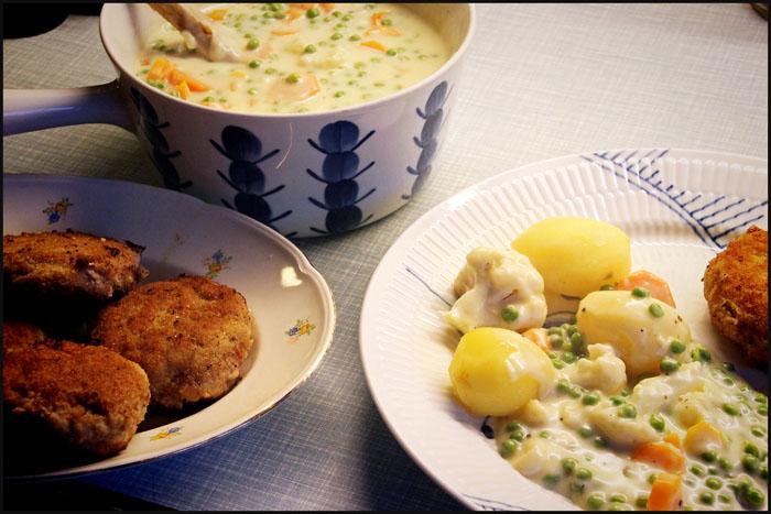 Krebinetter med kartofler og stuvning